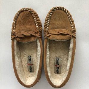 Minnetonka Leather Moccasins Fur Lined Size 6